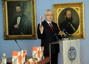 Predsjednik RH Ivo Josipović govori na promociji knjige